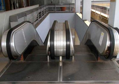ISIVUNO PROJECT. TO ENCLOSE THE ESCALATORS